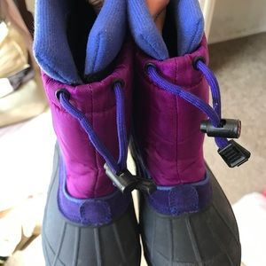 Columbia Shoes - COLUMBIA Insulated Snow boots. Kids size 11 ❤️